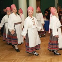 Ансамбль народного танца «Virulane» - Группа для дам «Hõbedane»